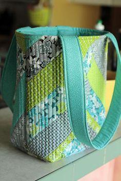 Crafty Gemini | Jenny Doan and Crafty Gemini Improv Tote Bag Tutorial | http://craftygemini.com