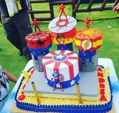 Superhero Birthday Cake, Avengers Birthday, Superhero Party, 5th Birthday, Birthday Parties, Flash Cake, Hulk Cakes, Pizza Sticks, Bolo Fake