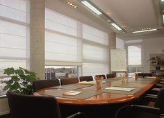 Louverdrape® vouwgordijnen kunt u overal hangen, ook op kantoor.