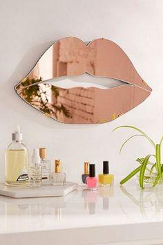 Inspiring 46+ Best Home Salon Decor Ideas For Private Salon On Your Home https://freshouz.com/46-best-home-salon-decor-ideas-private-salon-home/ #DressingYourHome