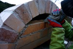 Diy Pizza Oven, Pizza Oven Outdoor, Diy Outdoor Bar, Four A Pizza, Best Oven, Wood Fired Pizza, Brick, Gardening, Craft