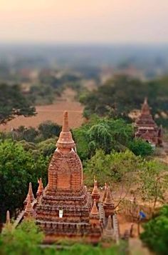 Bagan is a city with 4,000 pagodas (literally). You can visit a few of the main temples in the center of Old Bagan like the Ananda (most beautiful), Dhammayangi (biggest), Thatbyinyu (tallest) and Shwegugyi (for sunrise).