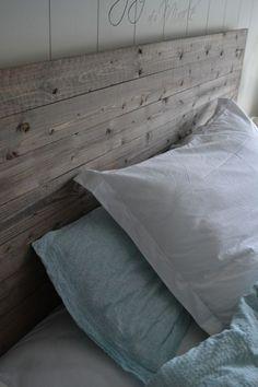 Etter å ha brukt timar på å leite etter inspirasjon til ein enkel, fin og heimelaga sengegavl, va.