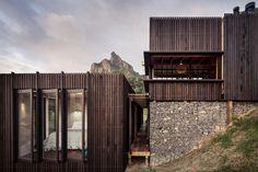 """10.7 tuhatta tykkäystä, 18 kommenttia - ARCHITECTURE HUNTER (@architecture_hunter) Instagramissa: """"#architecture_hunter Castle Rock Beach House By Herbst Architects Photographer: Patrick Reynolds…"""""""