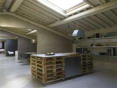 Pallets Loft il recupero di un sottotetto industriale a Firenze