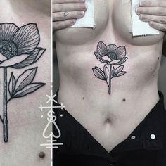 Little anemone flower for Zoe, thanks girl! #dotwork #anemone #blackwork #flower #underboob #tattoo #herzdame #taetowierungen #tilldthtattoo #tilldth #thecirclelondon