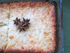 Enyucado, colombian cassava cake with star anise and queso fresco My Colombian Recipes, Colombian Food, Colombian Desserts, Cake Ingredients, Homemade Tacos, Homemade Taco Seasoning, Wiggles Cake, Drink Recipes, Meals
