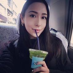 rigeldavis ( @rigeldavis )   Green juice  #tokyorye #skyhigh