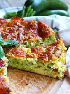 Briochettes like pizzas - Healthy Food Mom Going Vegetarian, Vegetarian Recipes, Quiches, Baby Food Recipes, Cooking Recipes, Food Wishes, Feta, Detox Recipes, Light Recipes