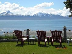 Alaska Beach House Homer (Alaska) Located on Kachemak Bay, this oceanfront Homer guest house features rooms with private entrances and en suite bathrooms. Free Wi-Fi is included.