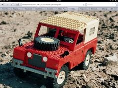 Series Land Rover in Lego. Lego Zombies, Land Rover Series 3, Best 4x4, Lego Ship, Lego Pictures, Amazing Lego Creations, Land Rover Defender, Defender 110, Lego People
