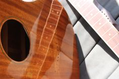 French polish finish (with homemade natural grain filler) //  by Julien Lelievre Lutherie