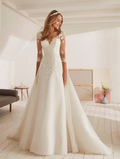 Princess tulle wedding dress with v-neck - OBELISCO. Princess tulle wedding dress with v-neck OBELISCO. Princess tulle wedding dress with v-ne - Ombre Wedding Dress, Wedding Dress Trends, Wedding Dress Sleeves, Modest Wedding Dresses, Bridal Dresses, Lace Wedding, Wedding Bride, Mermaid Wedding, Wedding Spot