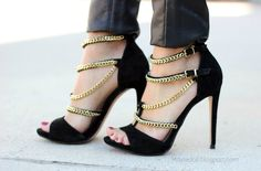Maytedoll: Black and Gold details