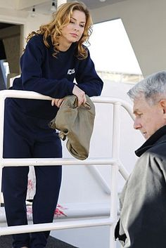 """NCIS Season 8 Episode 11 - """"Ships in the Night"""" ~ Recurring character Special Agent Abigail Borin of CGIS (played by Diane Neal) with Gibbs"""