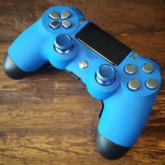 controller with soft grip front shell, Xbox One sticks, silver buttons and Shock paddles Ps4 Controller Custom, Game Controller, Control Ps4, Nintendo Switch Accessories, Car Accessories, Playstation Logo, Sims 4 Expansions, Game Wallpaper Iphone, Custom Consoles
