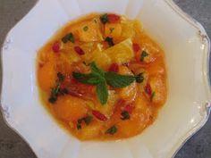 Ma petite cuisine gourmande sans gluten ni lactose: Salade d'abricots, d'orange et baies de Gogi au miel et à la fleur d'oranger