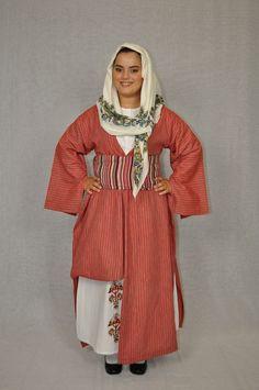 Greek Traditional Dress, Traditional Art, Greece Costume, Greek Dancing, Folk Dance, Gold Embroidery, Folk Costume, Hair Jewelry, Dance Costumes