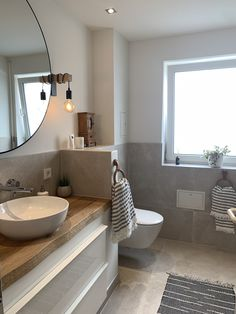 Natur Bad We conjured up a bath with lots of natural materials from an old marble bathroom. Grey Bathroom Interior, Modern Marble Bathroom, Half Bathroom Decor, Modern Farmhouse Bathroom, Classic Bathroom, Bathroom Design Small, Bathroom Bath, Big Bathrooms, Natural Materials