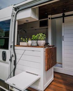 Small Space Living, Living Spaces, Van Interior, Interior Ideas, Motorhome Conversions, Sprinter Camper, Mini Camper, Van Living, Vw Bus