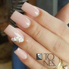 We all want beautiful but trendy nails, right? Here's a look at some beautiful nude nail art. Gelish Nails, 3d Nails, Glam Nails, Beauty Nails, Luxury Nails, Manicure E Pedicure, Best Acrylic Nails, Elegant Nails, Trendy Nails