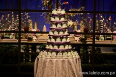 Wedding Cakes & Dessert Table // Check our Website for more information or pictures in our fanpage! www.lafete.com.pe www.facebook.com/lafeteeventplanning