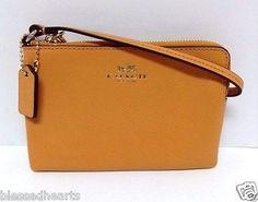 COACH Wristlet Wallet Purse Leather Organizer 53429 Orange Peel Aurhentic NWT
