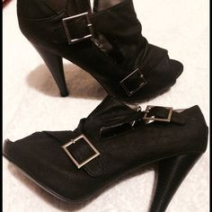 Qupid Heels Black, cut out with buckle, 5inch heel never worn⭐️⭐️make me a reasonable offer, all offers are considered⭐️⭐️ Qupid Shoes Heels
