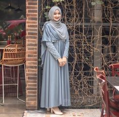 here you find simple dress all is fashionable and cute ❤❤ Hijab Prom Dress, Dress Brukat, Muslimah Wedding Dress, Hijab Evening Dress, Muslim Wedding Dresses, Batik Dress, The Dress, Dress Outfits, Dress Brokat Muslim