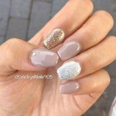 Short coffin acrylic nails with shellac #nails