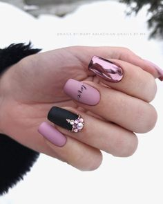 40 best nails collection 2019 001 40 best nails collection 2019 001 5 practical ways to apply nail polish without errors Es is Perfect Nails, Gorgeous Nails, Pink Nails, Gel Nails, Matte Nail Polish, Nail Nail, Cute Nails, Pretty Nails, Gel Nagel Design