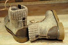 "Обувь ручной работы. Валяные ботинки с кожей ""Старки - Хранители Севера"". Виктория 'Студия войлока МаЖоРиК'. Ярмарка Мастеров. Doll Shoe Patterns, Felt Boots, Wool Shoes, Fancy Shoes, Felted Slippers, How To Make Shoes, Handmade Felt, Wet Felting, Leather Working"