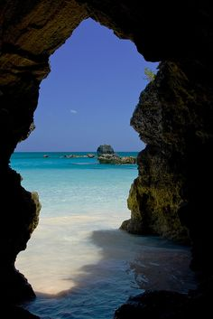 Peeking out at Horseshoe Bay. #Bermuda Love this water!! This looks so relaxing!