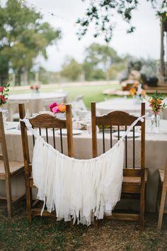 decorate the bride and grooms sweetheart table #sweethearttable #diy #weddingchicks http://www.weddingchicks.com/2014/01/24/true-love-texas-wedding/
