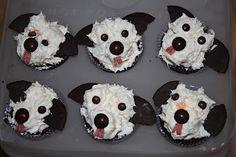Caroline Makes....: Puppy dog cupcakes