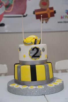 Car cake. Yellow grey theme. Birthday cake.Butik pasta. Çocuk pastası. Vosvos pasta. Doğum günü pastası.