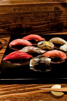 """The center of the Venn diagram of variety, value and quality should be drawn around another platter served a block west: the $39 """"special sushi"""" at Kanoyama on Second Avenue. (Photo: Sasha Maslov for The New York Times) http://nyti.ms/2nkAhW8"""