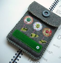 felt kindle case by suezybees. need to make one for my ipad
