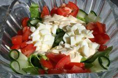 ISOÄIDIN SALAATTI - Resepti | Kotikokki.net Cobb Salad, Feta, Cheese