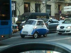 BMW Iseta en la calle Goya