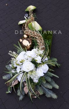 Grave Decorations, Funeral Flowers, Grapevine Wreath, Grape Vines, Christmas Time, Hair Beauty, Wreaths, Home Decor, Valentines Day Weddings