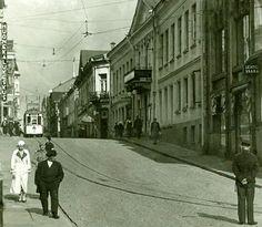 Raitiovaunu Linnankadulla Viipurissa 1930-luvulla. Finland, Transportation, Street View, Urban, Dreams, Dioramas, Historia