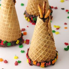 These delicious treats are perfect for your Thanksgiving celebration. Make these delicious treats for your family to gobble gobble this Thanksgiving! Thanksgiving Treats, Holiday Treats, Thanksgiving Celebration, Thanksgiving Decorations, Churros, Fall Recipes, Holiday Recipes, Yummy Treats, Yummy Food