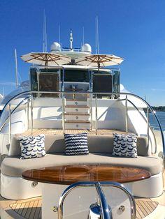 M/Y Far Niente, crewed charter yacht, bow -