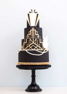 This Gatsby Wedding Cake is so beautiful and unique!