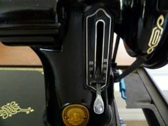 Love this site~ They have a Singer Featherweight 221 Tip of the Month