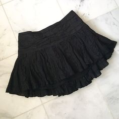 👻 Black ruffled mini-skirt Black mini-skirt with bandage pattern at the top, and ruffled at the bottom. Zips in the back Skirts Mini