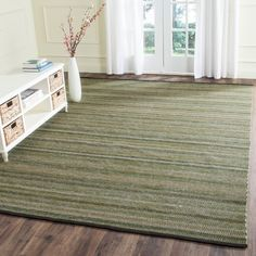 Safavieh's+Striped+Kilim+collection+is+inspired+by+timeless+transitional+designs+crafted+with+the+softest+wool+available.