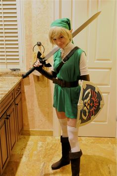 Female Link Cosplay; and Other Easy Halloween Costume Ideas