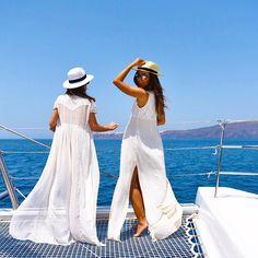 Beauty was definitely born in Greece! Thank you @korresbr for such an amazing experience! ( @hickduarte) ---------- A beleza sem duvidas nasceu aqui! #Grecia Hoje o nosso passeio com @korresbr está mais que especial explorando toda a beleza da natureza que tem por aqui! #Grateful #grata  (Na foto com minha linda @lalanoleto ) #abelezanasceunagrecia #chegoukorres @fhits